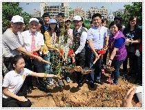 響應市府百萬植樹計劃 東海大學「新生」種樹體驗永續新頁