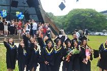 107年畢業典禮  劉炯朗:放開手帶著勇氣決心向前
