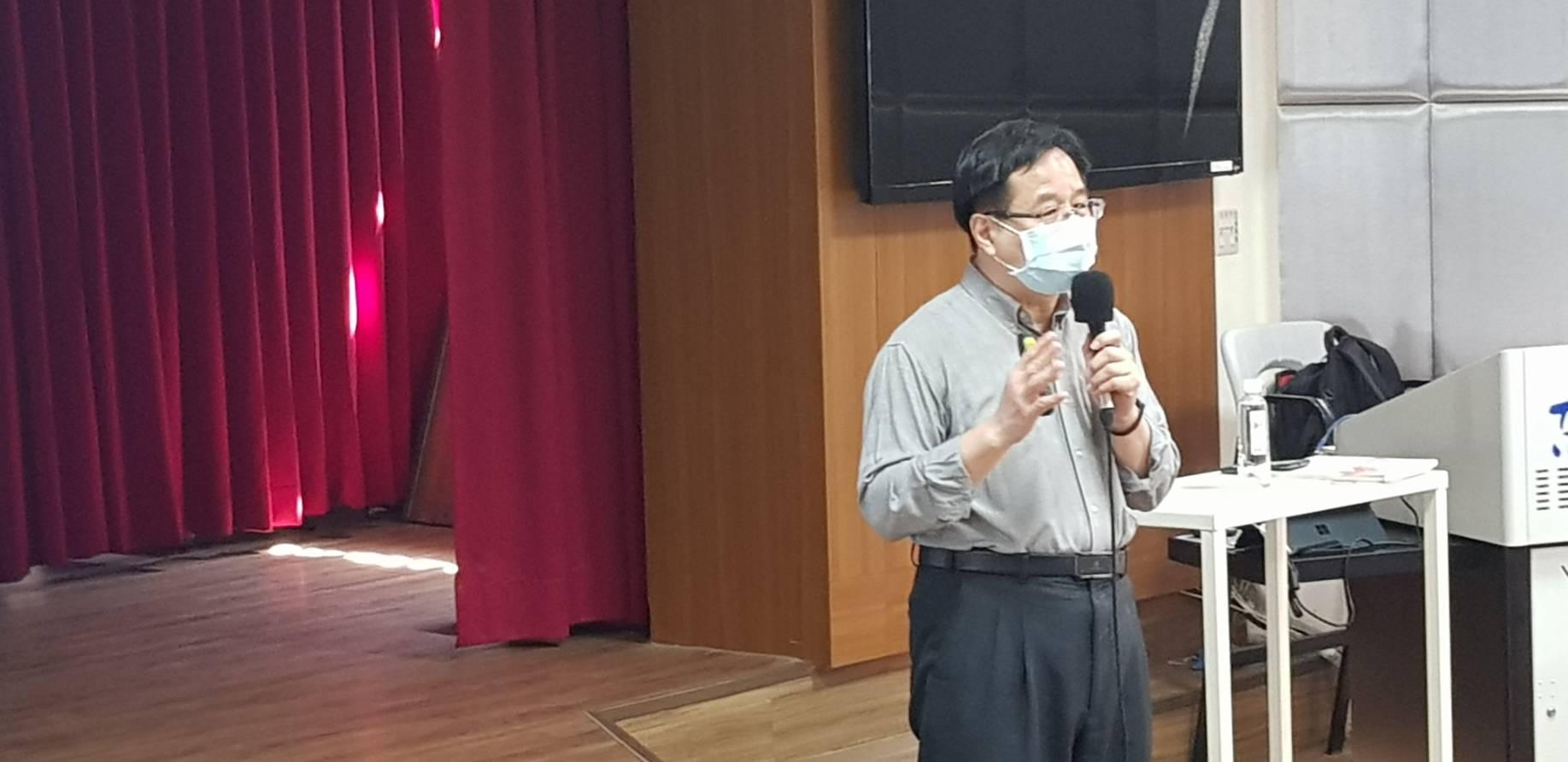 109年4月10日邀請交通大學資訊管理學系兼任陳永隆副教授專題演講如何培養跨界思考能力