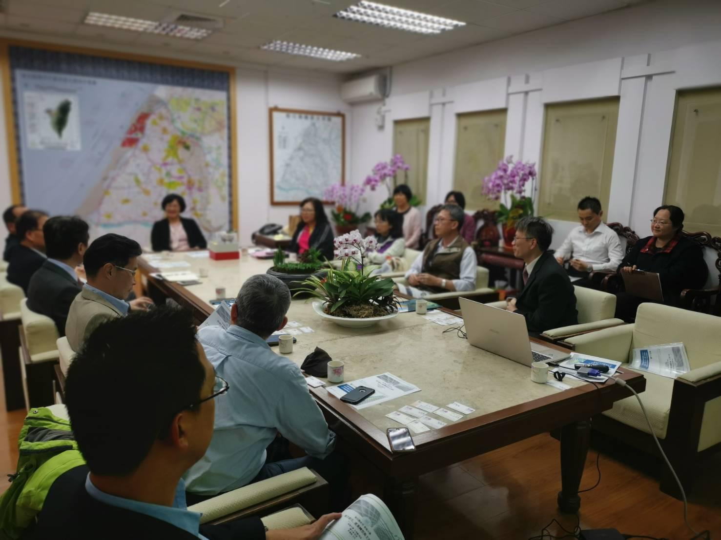 圖2-東海大學團隊與彰化縣政府共同探討地方創生議題的合作方向